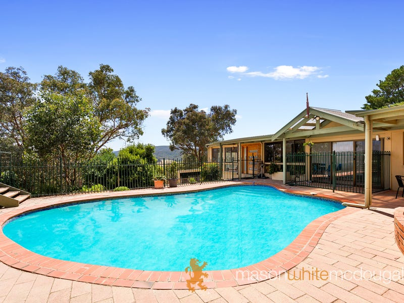 15 Rangeview Road, St Andrews, Vic 3761