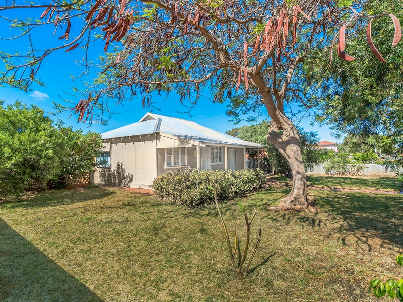 231 First Street, Wonthella, WA 6530