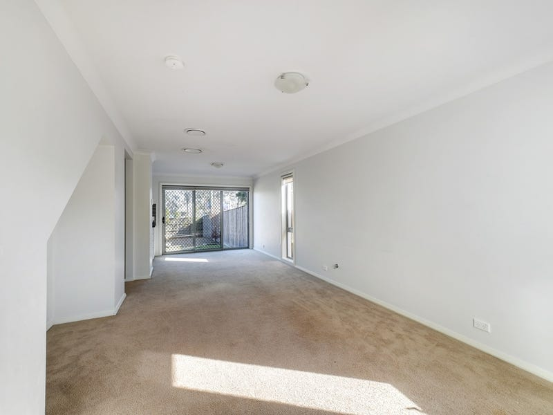 47 Sovereign Circuit *, Glenfield, NSW 2167