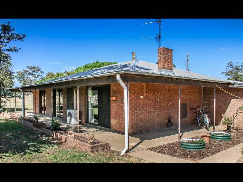 159 Old Wallendbeen Road, Stockinbingal, NSW 2725
