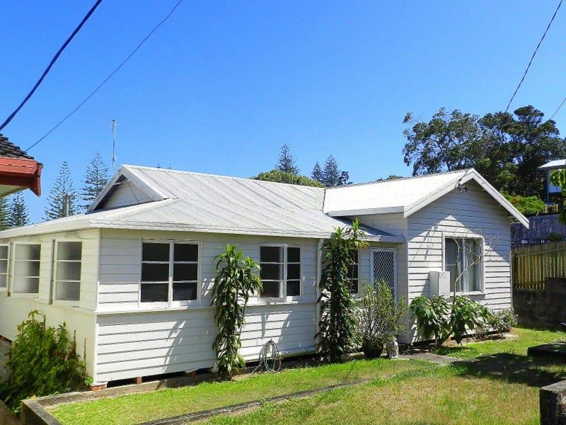 13 High Street, Yamba, NSW 2464