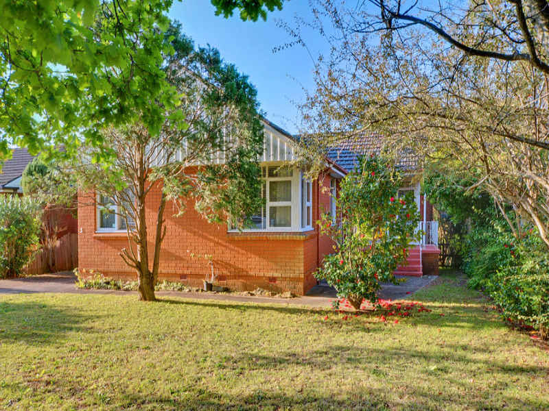 3 Plateau Close, Hornsby Heights, NSW 2077