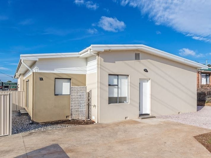 1a Valley Road, Devonport, Tas 7310