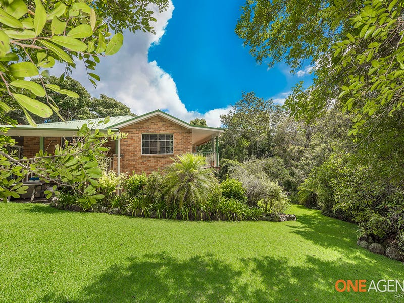11 Forest Oak Place, Caves Beach, NSW 2281