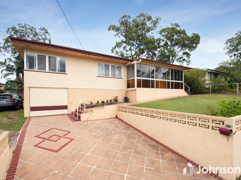 374 Webster Road, Stafford Heights, Qld 4053