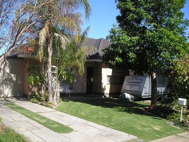 17 O'Grady Drive, Para Hills, SA 5096