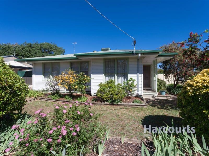8 Rattray Avenue, Wangaratta, Vic 3677