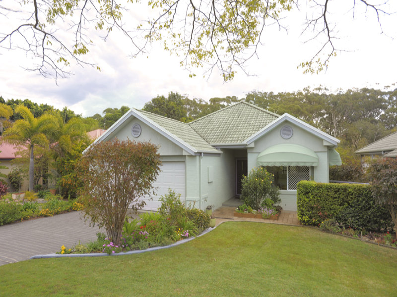 15 Crystal Dr, Sapphire Beach, NSW 2450