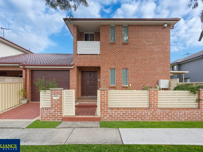 21a Paul Street, Picnic Point, NSW 2213
