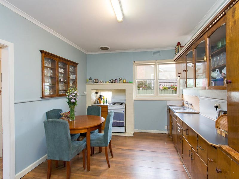 1 Lovenear Grove, Ballarat East, Vic 3350