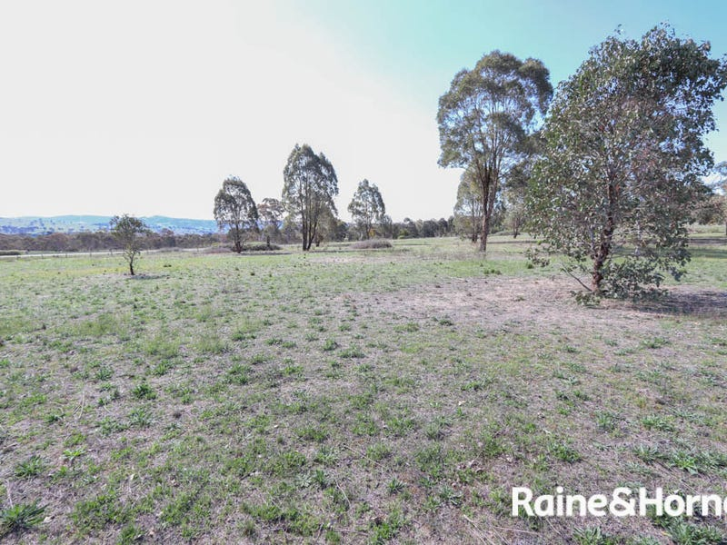 32 Pine Ridge Road, Rock Forest, NSW 2795
