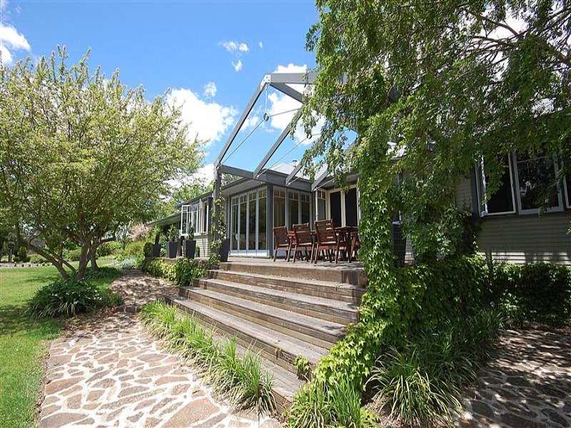 160 Hedgerow Farm Simmons Road, Armidale, NSW 2350
