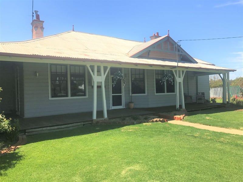 145 Pine Street, Hay, NSW 2711