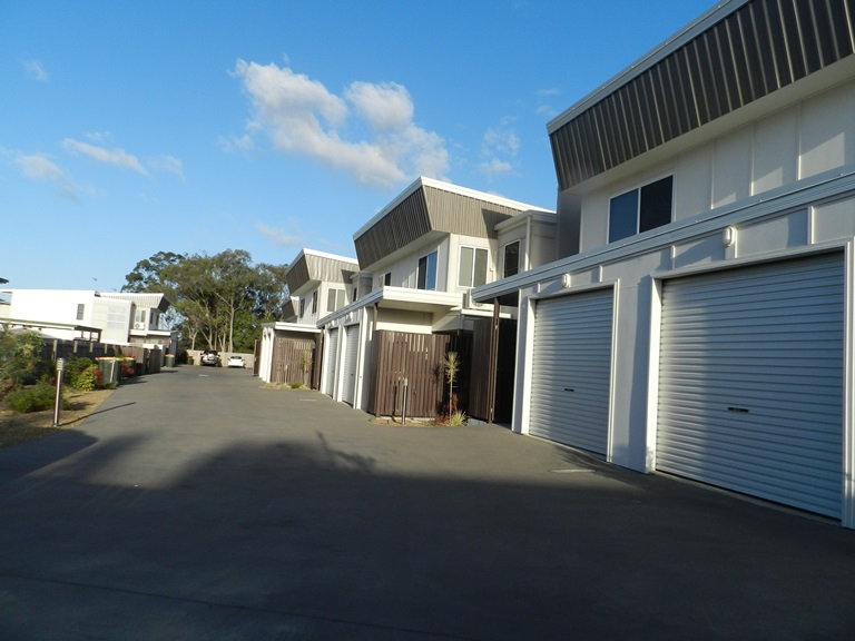 1/9 Cockatoo Drive, New Auckland, Qld 4680