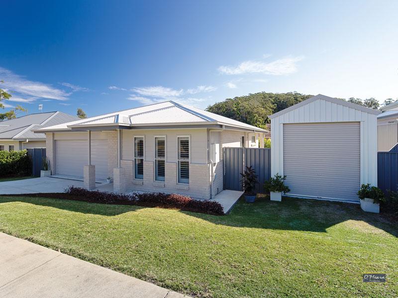 55 Bowline Circuit, Corlette, NSW 2315
