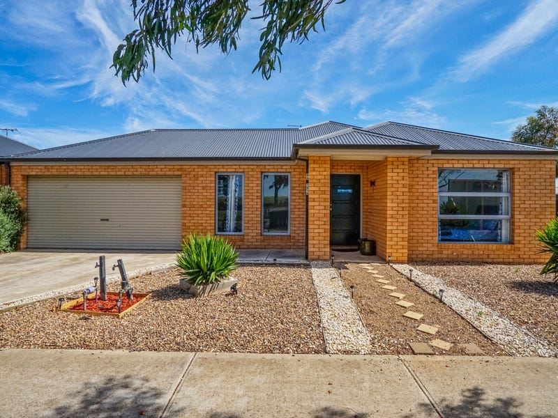 54 Hawkstone Road, Manor Lakes, Vic 3024