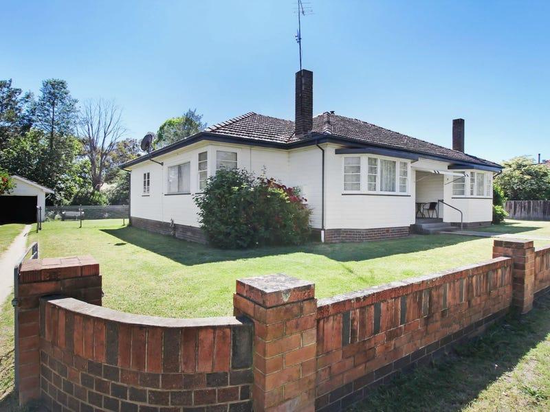 17 John Street, Uralla, NSW 2358