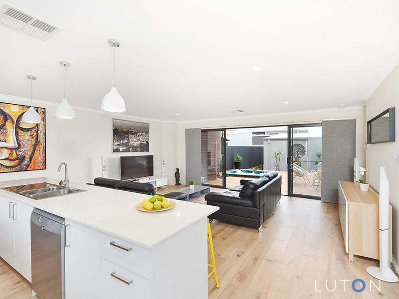 4 Taggart Terrace, Coombs, ACT 2611