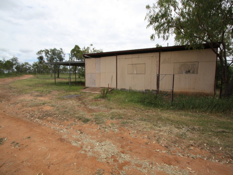 17 Dunroamin Road, Charters Towers City, Qld 4820