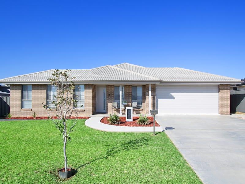 15 Grand Meadows Drive, Tamworth, NSW 2340