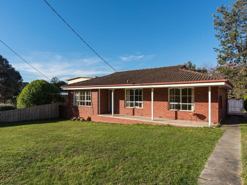 24 Pembroke Road, Mooroolbark, Vic 3138