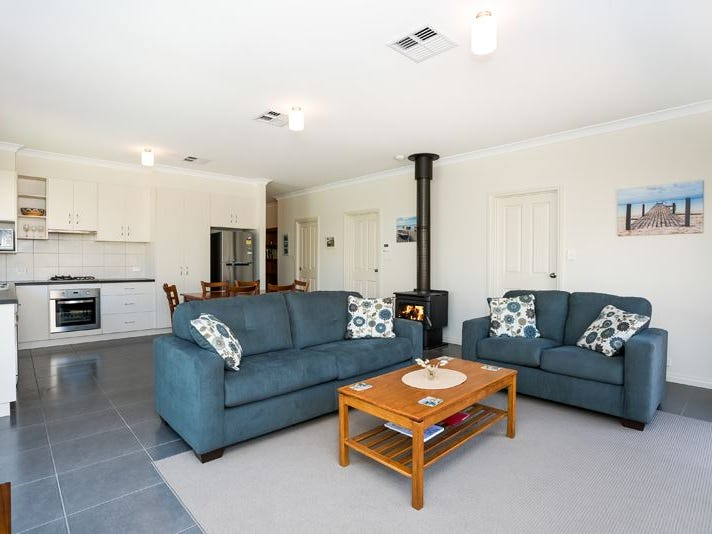 10 Petrel Avenue, Encounter Bay, SA 5211