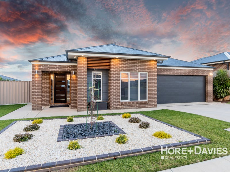 7 Whitten Avenue, Boorooma, NSW 2650