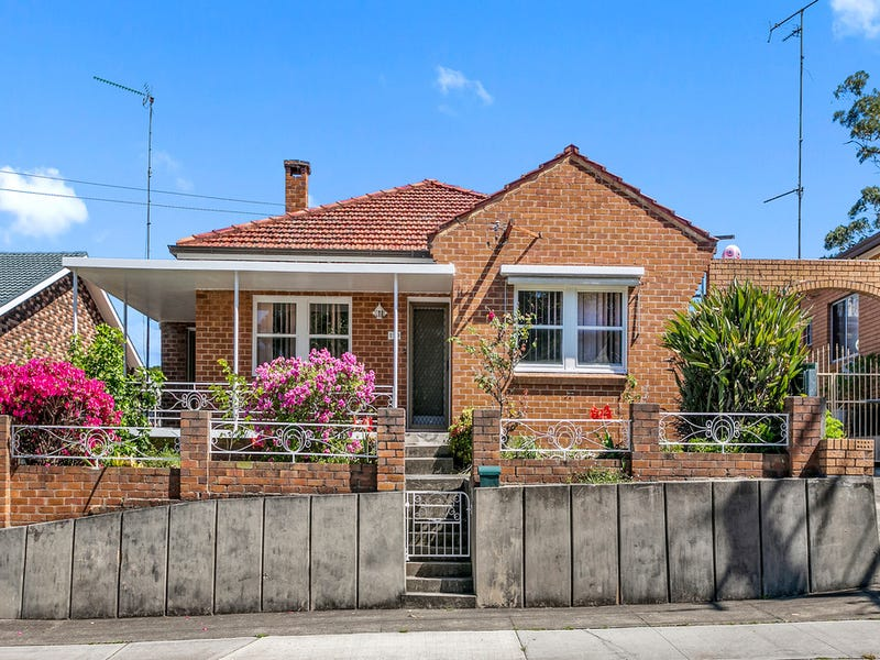 119 Mount Keira Road, West Wollongong, NSW 2500