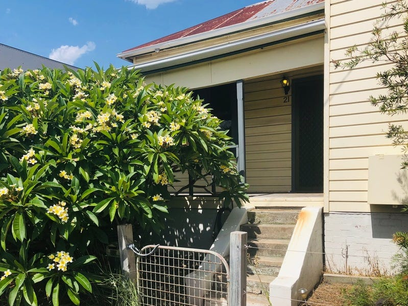 21 Tarin Street, Mayfield East, NSW 2304