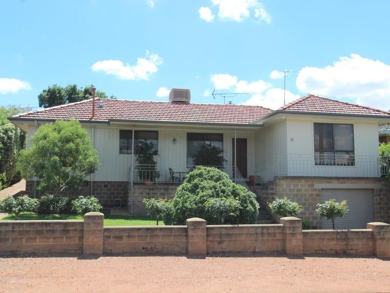 13 Ashton Street, Temora, NSW 2666