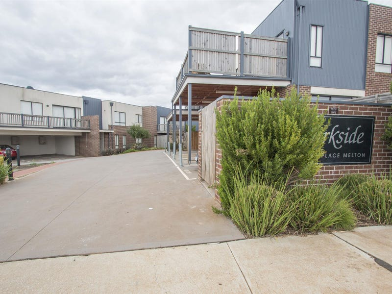 7/9 Petrea Place, Melton West, Vic 3337