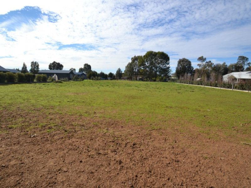 LOT 4 JOHNSON STREET, Oxley, Vic 3678