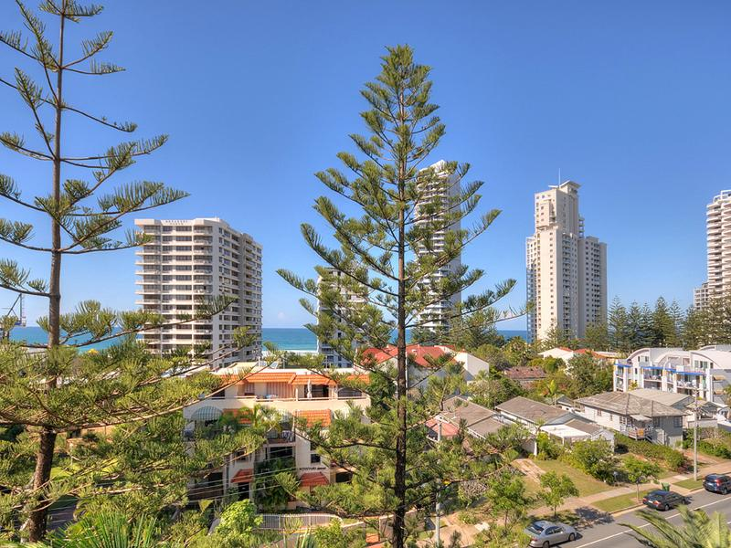 45/210 Surf Parade, Surfers Paradise, Qld 4217