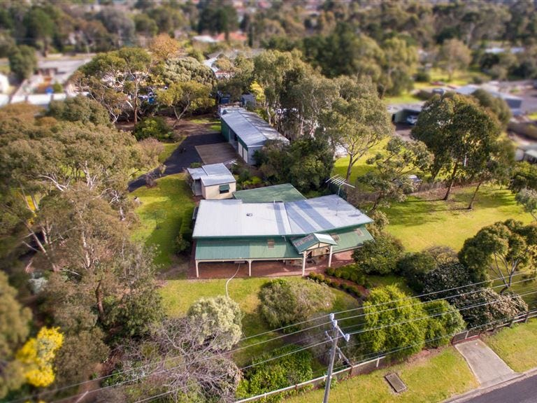 24 Coppards Road, Newcomb, Vic 3219
