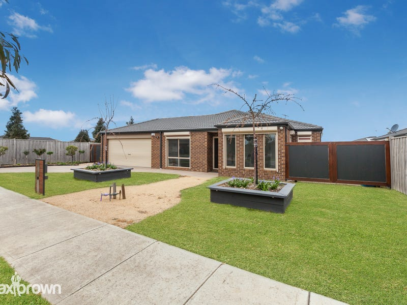 15 Blue Lake Drive, Wallan, Vic 3756