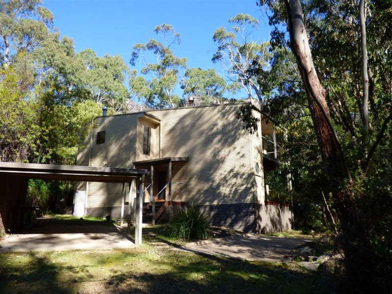 54-56 Royston Road, Halls Gap, Vic 3381