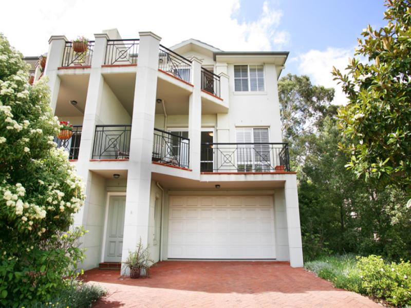 8 Mortimer Lewis Drive, Huntleys Cove, NSW 2111