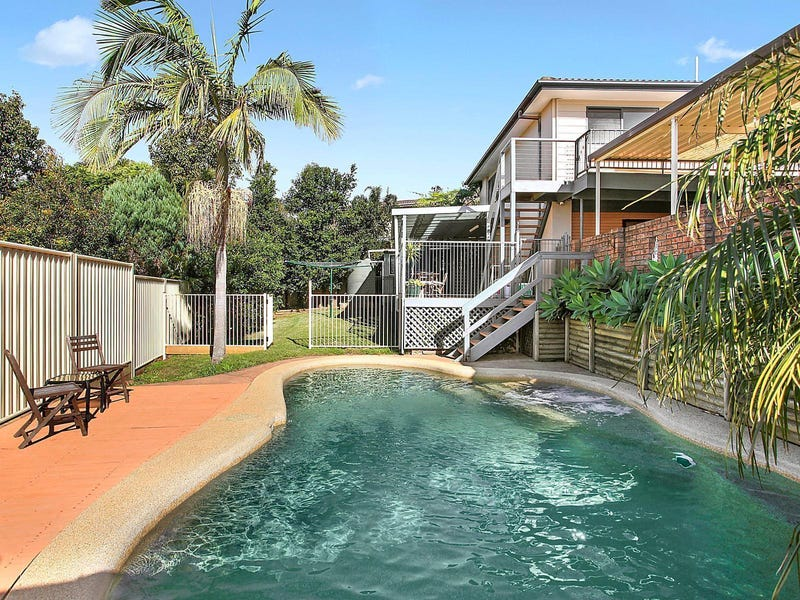 18 Vista Parade, Bateau Bay, NSW 2261