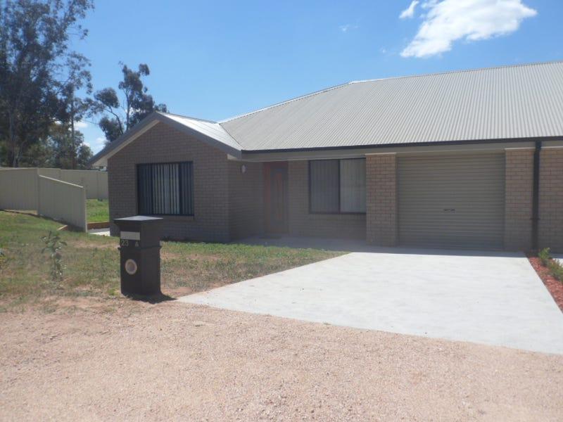 1&2/23 Radnor St, Canowindra, NSW 2804