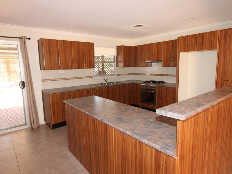2 Draper Place, South Hedland