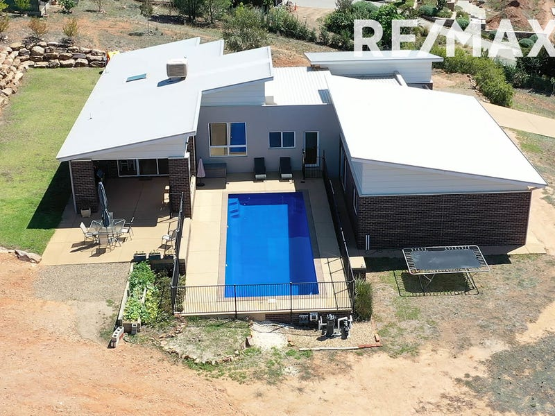89 Riverview Drive, Moorong, NSW 2650