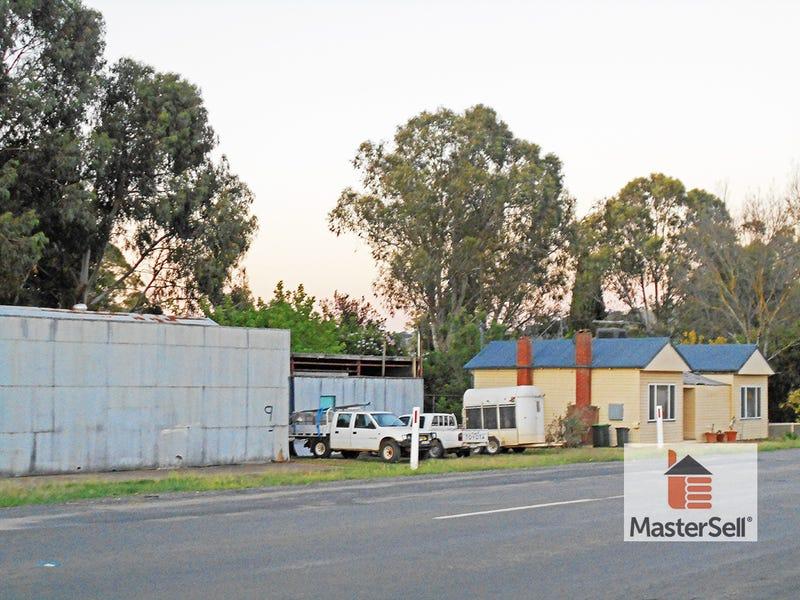 11 Mount Street, Gundagai, NSW 2722
