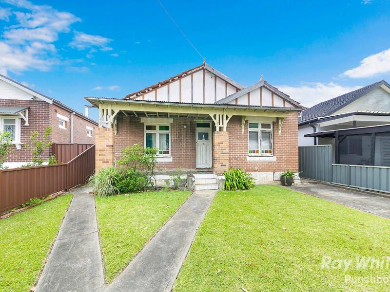 18 Victoria Road, Punchbowl, NSW 2196