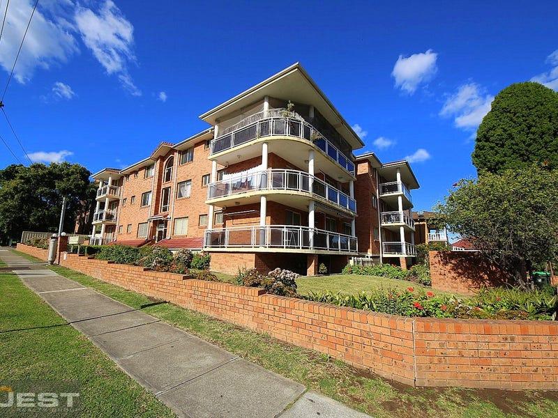 2/9 Sir Joseph Banks Street, Bankstown, NSW 2200