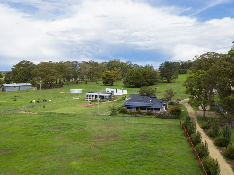 275 Toms Gully Road, Black Mountain, NSW 2365