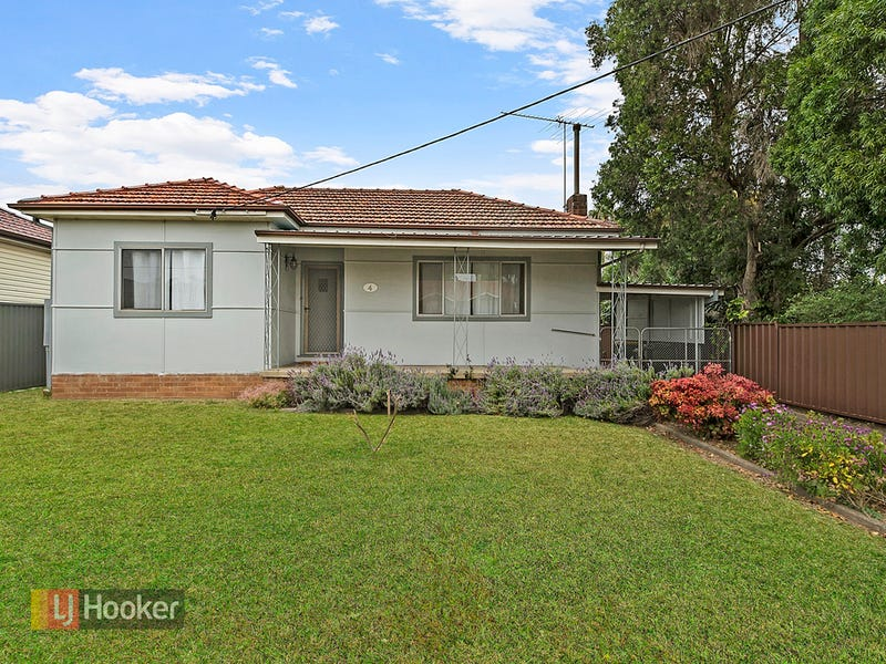 4 Bulli Road, Toongabbie, NSW 2146