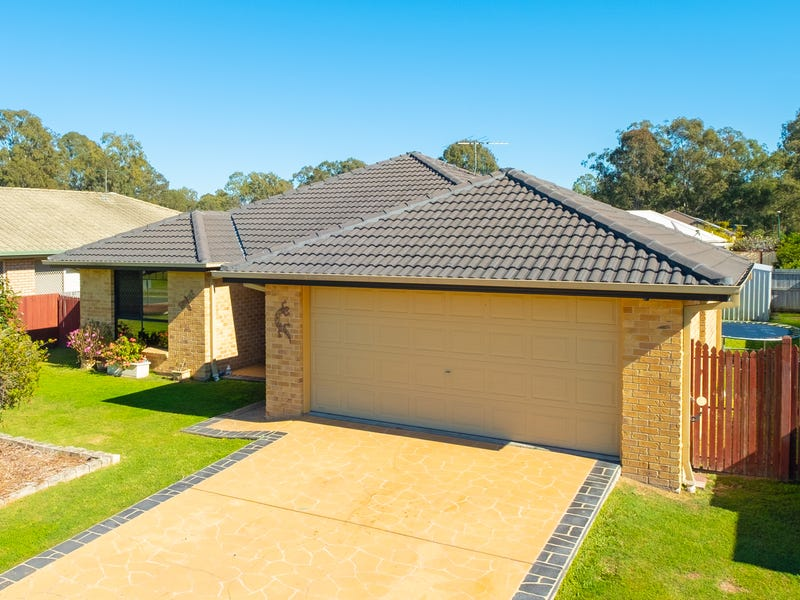 55 Lakeview Drive, Logan Reserve