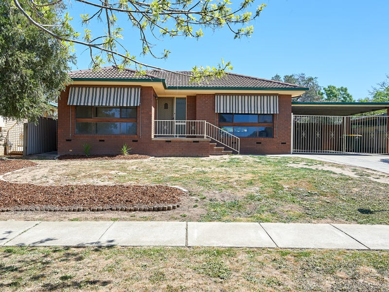 8 Pugsley Avenue, Estella, NSW 2650