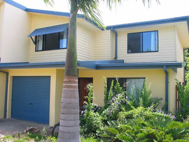 Unit 12,16 Beach Rd, Cannonvale, Qld 4802
