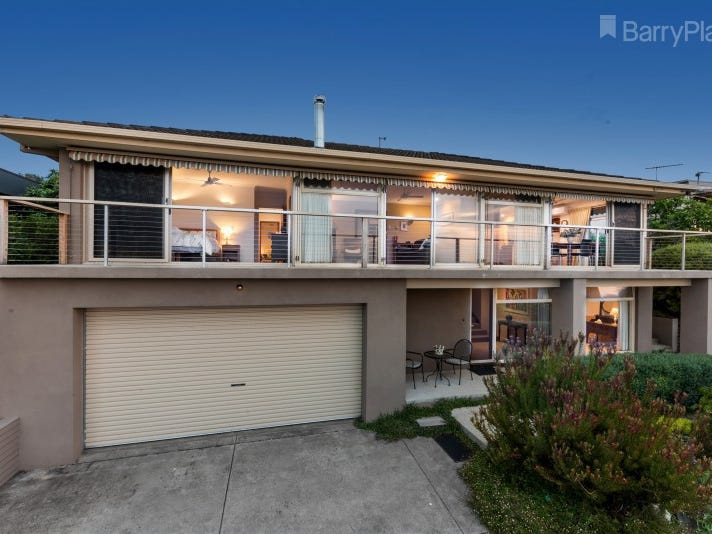 18 Culzean Crescent, Highton, Vic 3216